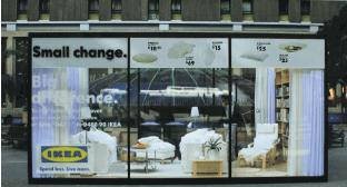 Campagne street marketing: Appartement Ikea monté dans la rue pour montrer la vie quotidienne des agents de terrains